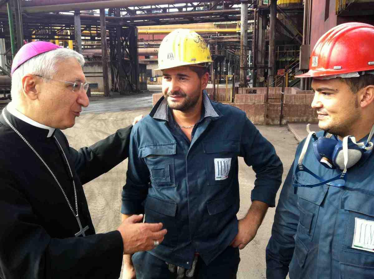 Caso Ilva, il vescovo di Taranto: la salute viene prima di tutto